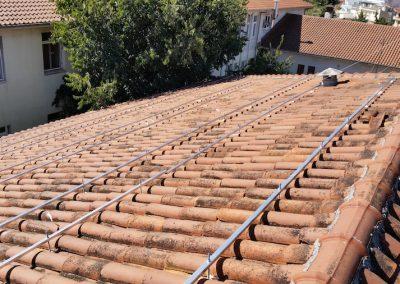 Tοποθέτηση μεταλλικού συστήματος στήριξης ηλιακών συλλεκτών κενού (Μαμάτσειο)